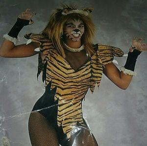 3pc. Woman Halloween costume, TIGERESS Sz Med